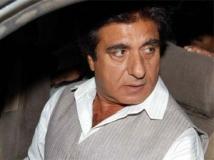 http://hindi.filmibeat.com/img/2012/01/23-raj-babbar-300.jpg