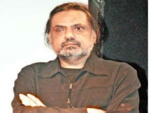 http://hindi.filmibeat.com/img/2012/02/04-raj-kanwar.jpg