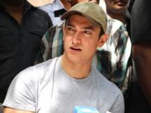 http://hindi.filmibeat.com/img/2012/03/19-aamir-khan-307.jpg