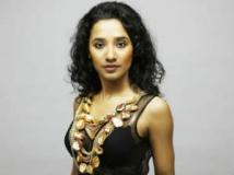 https://hindi.filmibeat.com/img/2012/05/02-tannistha.jpg