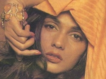 https://hindi.filmibeat.com/img/2012/05/08-anu-agarwal-aashiqui-600.jpg