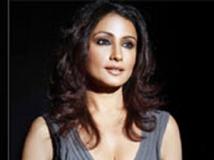 https://hindi.filmibeat.com/img/2012/07/23-divya-dutta-301.jpg