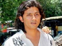 http://hindi.filmibeat.com/img/2012/09/02-02-shirish-out-of-salman-kick.jpg
