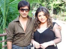 https://hindi.filmibeat.com/img/2012/10/08-08-delnaaz-rajiv-081012.jpg
