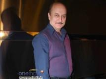 http://hindi.filmibeat.com/img/2012/10/25-anupam-600.jpg