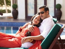 https://hindi.filmibeat.com/img/2012/12/18-15-dabangg-2.jpg