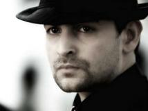 https://hindi.filmibeat.com/img/2013/01/16-david.jpg
