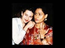 http://hindi.filmibeat.com/img/2013/03/08-karishma-kapoor5.jpg