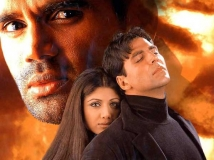 https://hindi.filmibeat.com/img/2013/05/21-dhadkan-pic2.jpg
