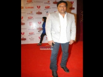 http://hindi.filmibeat.com/img/2013/06/14-prakash-raj.jpg