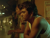 https://hindi.filmibeat.com/img/2013/06/22-02-1367472784-nawaz3.jpg