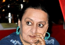 https://hindi.filmibeat.com/img/2013/07/01-dolly-ahluwalia-600.jpg