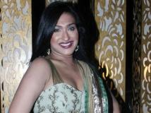 https://hindi.filmibeat.com/img/2013/07/08-rituparnasengupta--600.jpg