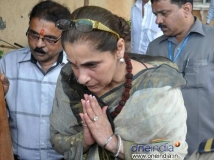 https://hindi.filmibeat.com/img/2013/07/19-rajesh-khanna-first-death-anniversary-pic5.jpg