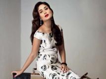 http://hindi.filmibeat.com/img/2013/08/01-28-1374993859-kareena-kapoor-leave-to-celebrate-saif-birthday-pic1.jpg