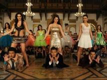 https://hindi.filmibeat.com/img/2013/08/17-grand-masti-602.jpg
