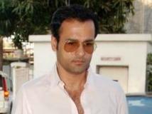 http://hindi.filmibeat.com/img/2013/09/10-rohit-roy-600.jpg