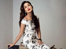 https://hindi.filmibeat.com/img/2013/10/05-01-1375322892-28-1374993859-kareena-kapoor-leave-to-celebrate-saif-birthday-pic1.jpg
