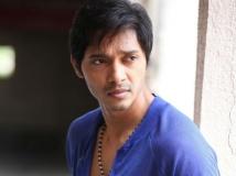 https://hindi.filmibeat.com/img/2013/11/28-shreyas-talpade-612.jpg