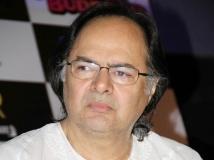 https://hindi.filmibeat.com/img/2013/12/28-28-farooq-sheikh-died.jpg