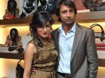 https://hindi.filmibeat.com/img/2014/04/18-24-1385294671-chitrangada-singh-divorces.jpg