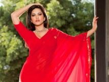 http://hindi.filmibeat.com/img/2014/12/17-1418799283-sunny-leone.jpg