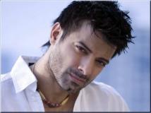 https://hindi.filmibeat.com/img/2015/01/23-1422009705-rahul-bhatt.jpg