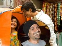 http://hindi.filmibeat.com/img/2015/03/17-1426574957-anushka-nil-srk.jpg