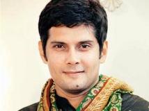 http://hindi.filmibeat.com/img/2015/04/13-1428924217-amar-upadhyay.jpg