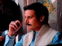 https://hindi.filmibeat.com/img/2016/12/6sahebbiwigangster-02-1480681247.jpg