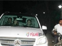 http://hindi.filmibeat.com/img/2017/06/salman-khan-s-tubelight-movie-special-screening-2-21-1498045856.jpg