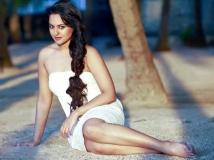 http://hindi.filmibeat.com/img/2019/03/sonakshi-sinha-upcoming-film-on-sex-clinic-1551406807.jpg