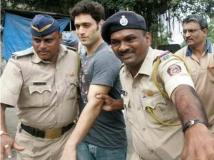 https://hindi.filmibeat.com/img/2019/09/shiney-ahuja-jail-1568791147.jpg