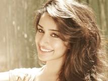 http://hindi.filmibeat.com/img/2019/09/shraddha-kapoor-1569472763.jpg