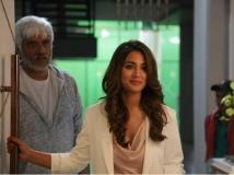 http://hindi.filmibeat.com/img/2019/11/001-1574227068.jpg