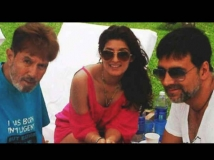 https://hindi.filmibeat.com/img/2019/12/rajesh-khanna-twinkle-khanna-birthday-1577627652.jpg