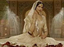https://hindi.filmibeat.com/img/2020/01/deepika-padukone-rejects-nati-binodini-biopic-1579694966.jpg