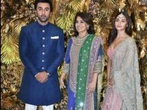 http://hindi.filmibeat.com/img/2020/02/armaan-jain-wedding-cocktail-party-pics-10-1580851745.jpg