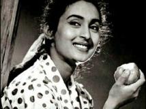 https://hindi.filmibeat.com/img/2020/02/nutan-bungalow-theft-1581270135.jpg