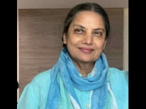http://hindi.filmibeat.com/img/2020/02/shabana-azmi-shares-first-photo-after-accident-1580581383.jpg