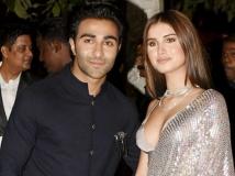 http://hindi.filmibeat.com/img/2020/02/tarasutariaadarjainaffair2-1581491874.jpg