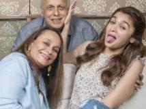 https://hindi.filmibeat.com/img/2020/04/alia-bhatt-breaks-lockdown-rules-to-meet-parents-emotional-details-1587654122.jpg