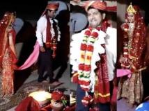 https://hindi.filmibeat.com/img/2020/04/bigg-boss-2-winner-ashutosh-kaushik-gets-married-on-terrace-amidst-lockdown-1588091094.jpg