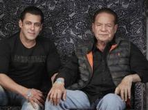 http://hindi.filmibeat.com/img/2020/04/salman-khan-s-dad-salim-khan-strolls-on-the-road-despite-being-in-lockdown-1587546871.jpg