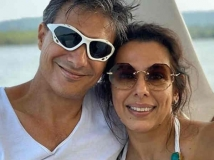 http://hindi.filmibeat.com/img/2020/05/pooja-bedi-shifts-to-goa-with-fiancee-manek-contractor-shares-the-scary-experience-1589826315.jpg