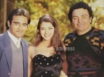 http://hindi.filmibeat.com/img/2020/05/rishi-kapoor-s-first-and-last-film-aa-ab-laut-chalein-pics-with-aishwarya-rai-akshaye-khanna-viral-11-1588696900.jpg