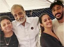 https://hindi.filmibeat.com/img/2020/06/anitahassanandanifatherinlawpassedaway-1592047897.jpg