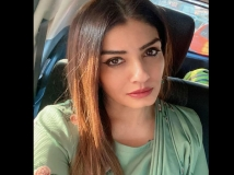 https://hindi.filmibeat.com/img/2020/06/ravena-1592985708.jpg