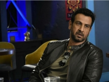 http://hindi.filmibeat.com/img/2020/06/ronit-1591088232.jpg