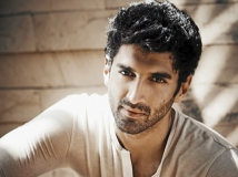 https://hindi.filmibeat.com/img/2020/07/aditya-roy-kapur-quits-ek-villain-2-1593626563.jpg